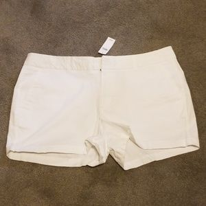 NWT! white gap shorts
